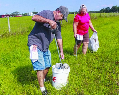 Putnam County residents participate in the 2019 Countywide Cleanup.
