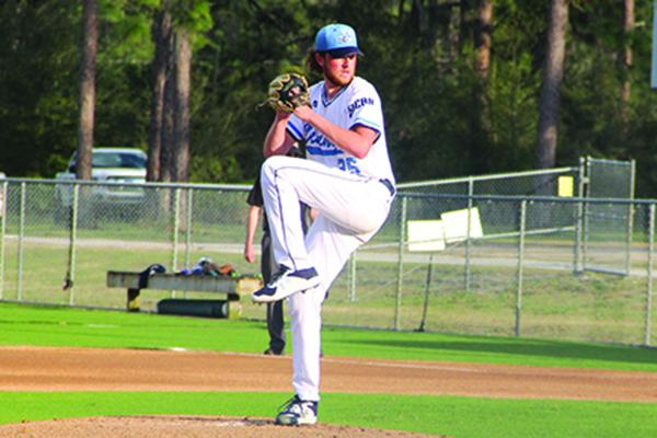 St. Johns River State College pitcher Dawson Gause delivers a pitch during Thursday's game. (ANTHONY RICHARDS / Palatka Daily News)